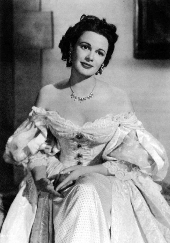 Patricia Medina, caracterizada para uno de sus filmes.