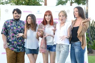 De izquierda a derecha, Brays Efe, Úrsula Corberó, Natalia de Molina, Celia de Molina y María Hervás.