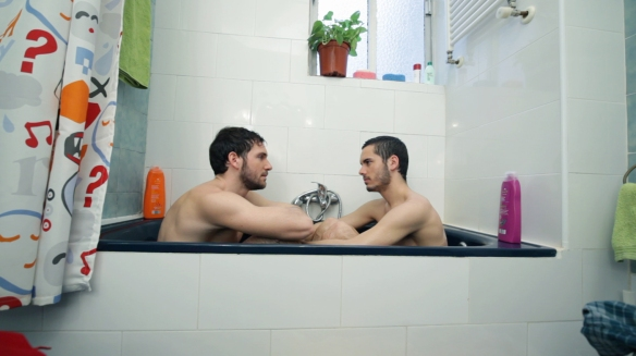 """David Mora y Adrián Expósito en un momento de """"Los amigos raros""""."""