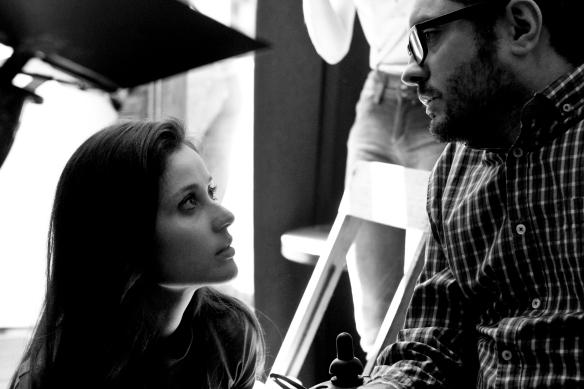 """Laura Díaz y Roberto Pérez Toledo, durante el rodaje de """"Los amigos raros"""","""