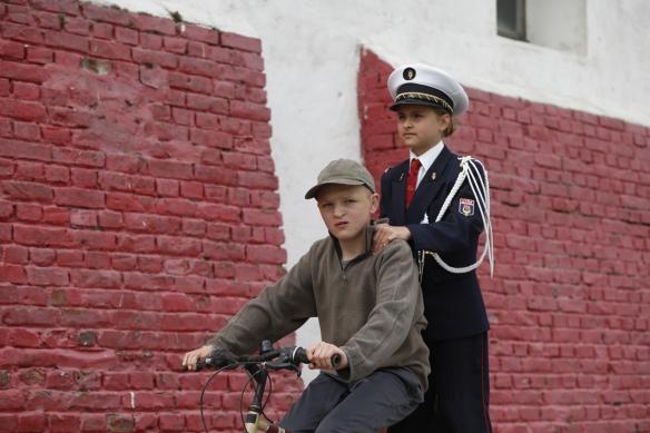 Los dos niños protagonistas de la excelente, aunque muy larga, película de Dumont.