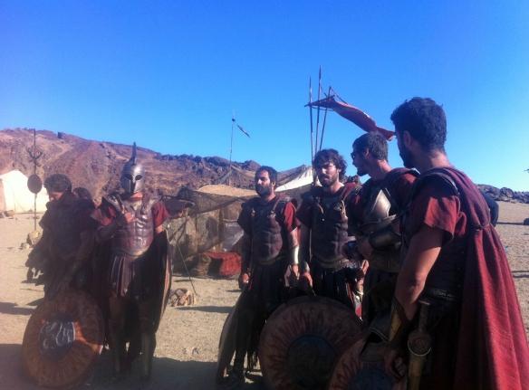 """Actores canarios en el Teide caracterizados de romanos durante el rodaje de """"Furia de titanes"""" / SUR FILMS-OAC"""