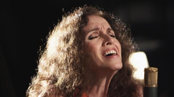 Ana Belén, en un momento de su interpretación de la canción Siboney, acompañada al piano por Michel Camilo / SANTIAGO TORRES-INSULARIA CREACIONES
