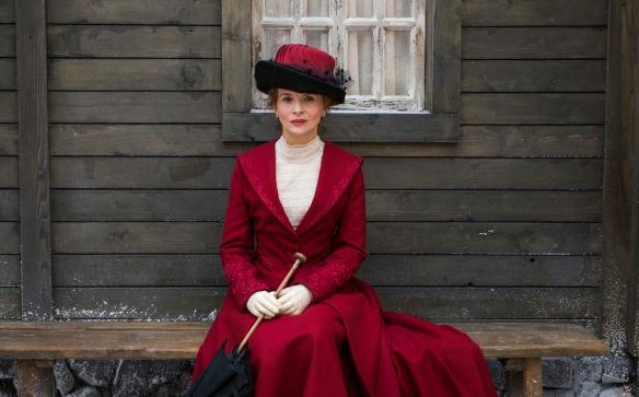 "Juliette Binoche como Josephine Peary en un fotograma de ""Nadie quiere la noche"" / LEANDRO BETANCOR"