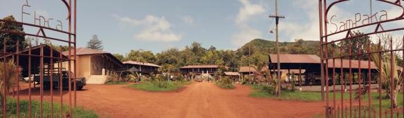 Panorámica del decorado de la finca de cacao Sampaka, construido en la finca de Osorio de Teror / OAC