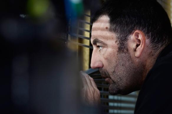 """Daniel Calparsoro, durante el rodaje de """"Cien años de perdón"""". / OAC"""