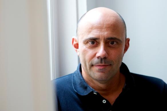 El productor Juan Gordon en 2013 en la oficina de Morena Films. / Juan Naharro Gimenez