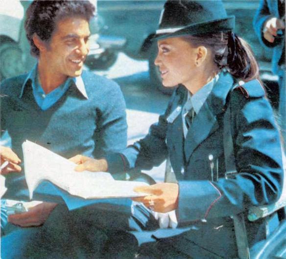 Aristu con María José Cantudo en una foto publicada en La Gaceta Ilustrada en 1976 / OAC