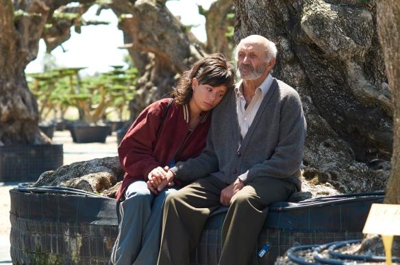 Anna Castillo y Manuel Cucala, en un momento del filme. / JOSÉ HARO