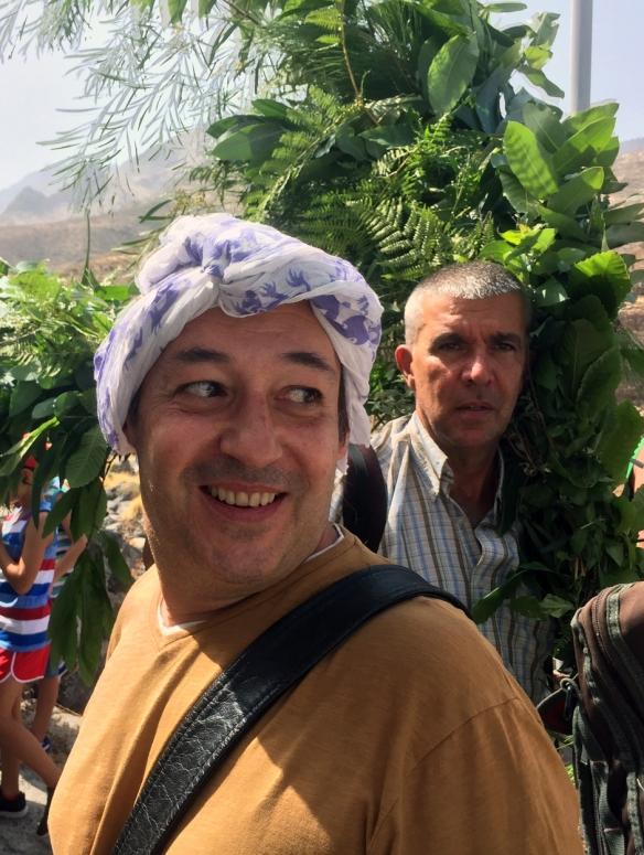 Sigfrid Monleón, durante el rodaje el día de la Rama, el pasado 4 de agosto. / ISABELLE STOFFEL