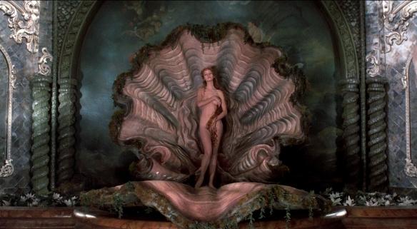 """Uma Thurman en su primera aparición en cine, en """"Las aventuras del barón de Munchausen"""" (Terry Gilliam, 1988)"""