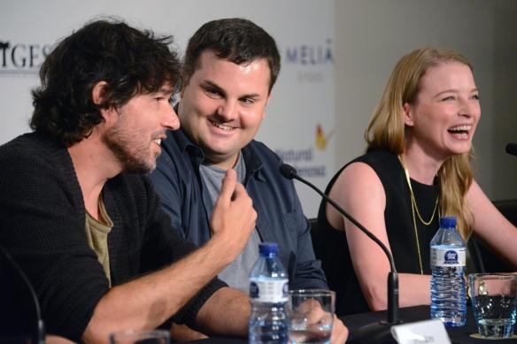 """Miguel Ángel Vivas, Adrián Guerra y Rachel Nichols en la rueda de prensa de """"Inside"""" en el festival de Sitges. / LUIS ROCA ARENCIBIA"""